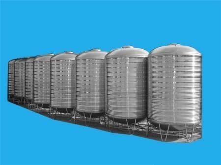圆柱型不锈钢水箱